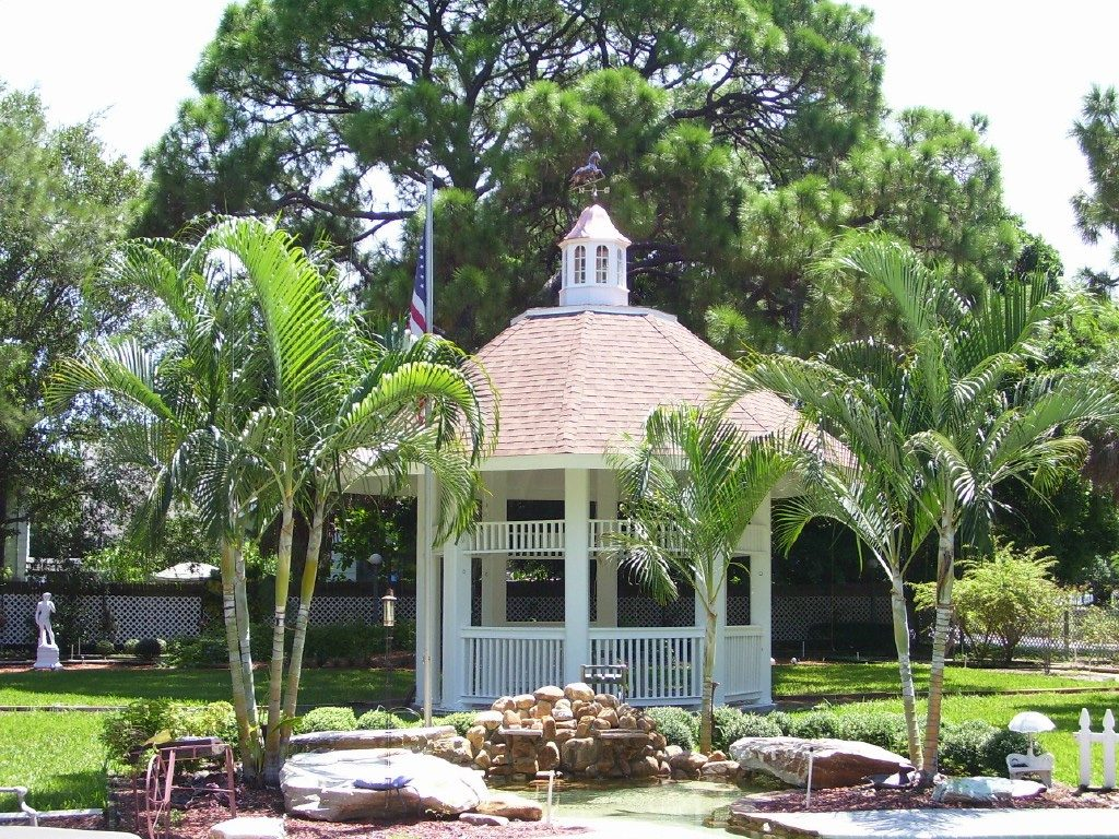 36 villa on gazebo