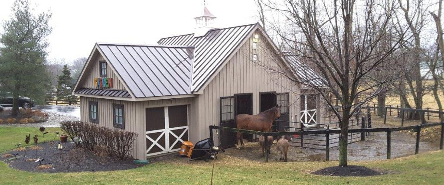 Pole buildings vs stick frame buildings new holland for Horse barn materials
