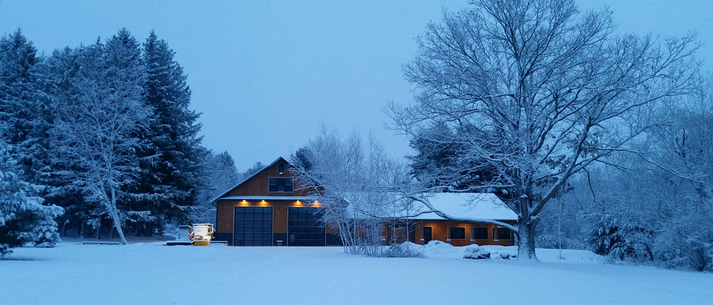 custom-garage-in-snow