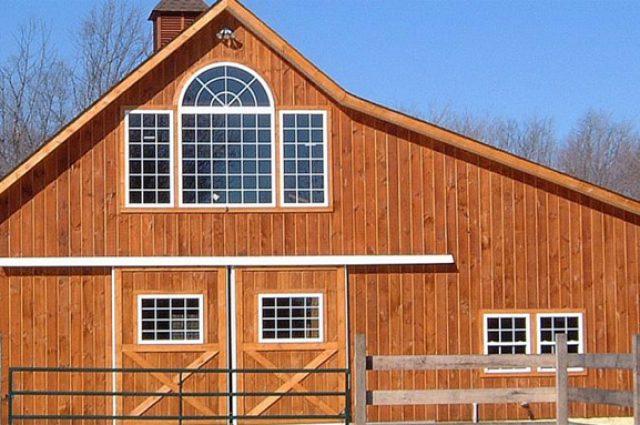 Horse barn with custom add-ons
