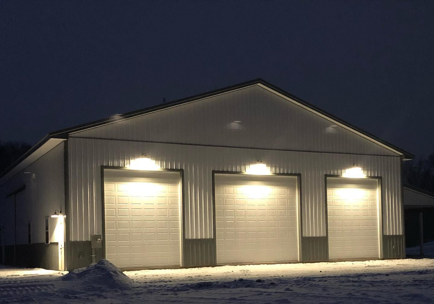 pole building for sale with custom lighting in new holland pa
